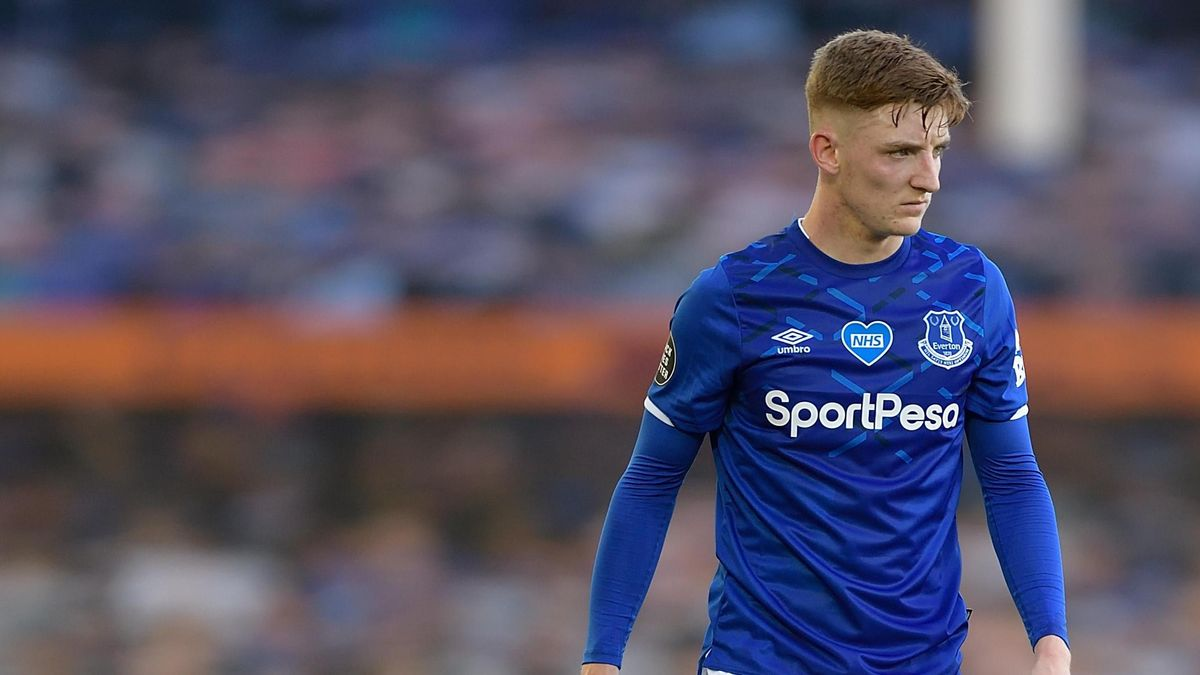 Everton vs Leicester Free Betting Tips